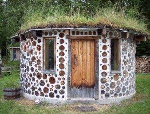 Строим баню сами из дров. Давно мечтаю о строительстве бани на своем участке. Хотелось бы, чтобы проект был экономичным и легким в осуществлении. Ну и естественно, чтобы такая баня имела