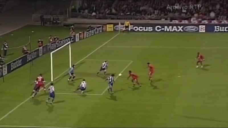O FC Porto empatava a dois golos com o Lyon e alcançava as meias-finais da Champions League