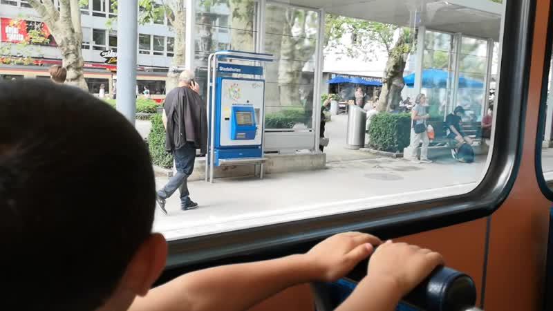 катаемся по городу в Цюрихе