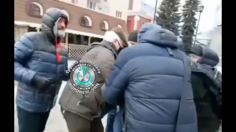 Воронеж акция памяти Немцова скандал