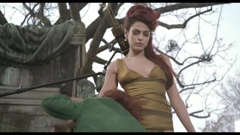 Ева Мендес (Eva Mendes) в фильме Корпорация «Святые моторы» (Holy Motors, 2012, Леос Каракс) 1080p Голая? Секси!