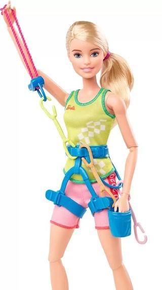 Этой зимой компания Mattel представила линию кукол Барби, отражающих появление на олимпиаде новых видов спорта. Так появилось скалолазание, а еще бейсбол, карате, скейтбординг и серфинг.