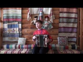 Курманов Михаил. 13 лет. Солит (12-14 лет.) 1. По деревне. 2. Коробейники.