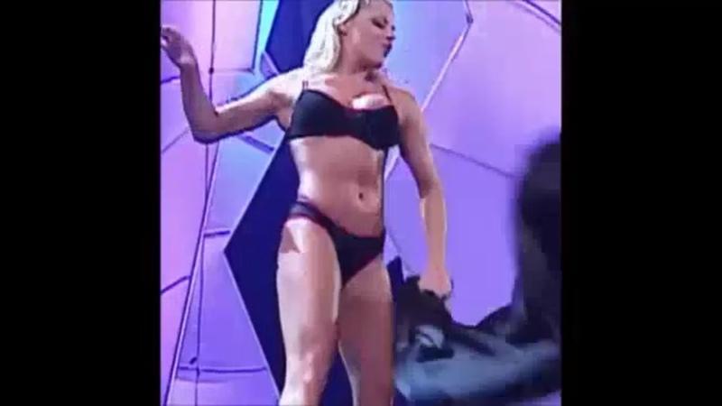 Sexy nude body of WWE Trish stratus
