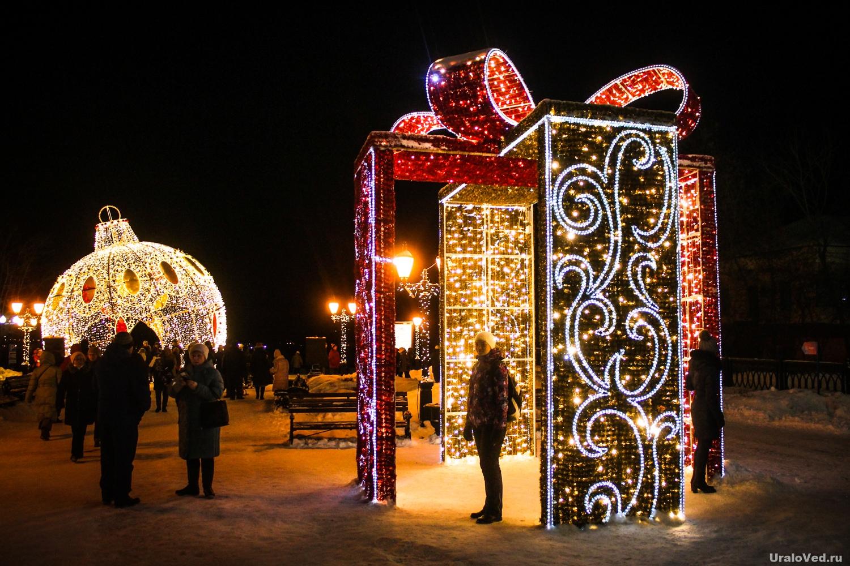 Новогоднее украшение Перми