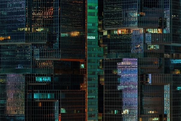 Прекрасные работы австралийского путешественника и фотографа Питера Стюарта. Peter Stewart родом из Австралии, любит путешествовать и фотографировать, в настоящее время живет в Гонконге. Питер