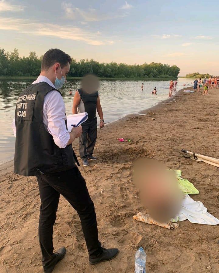 Вчера вечером в Марксе на городском пляже утонула восьмилетняя девочка