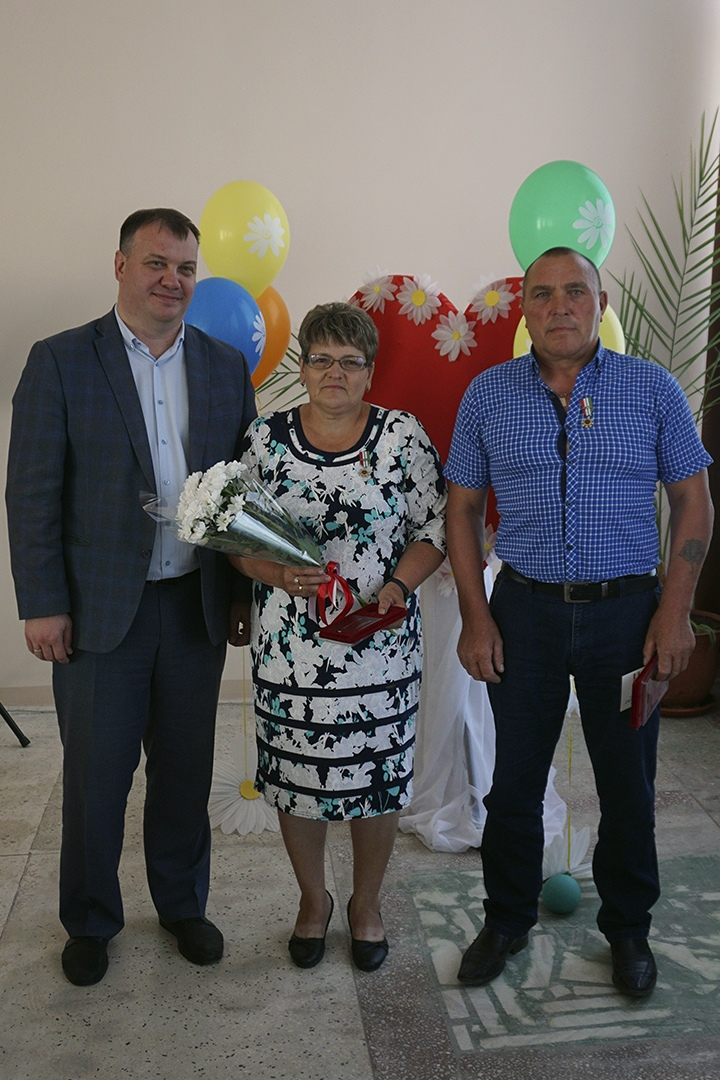 Николаю Владимировичу и Людмиле Викторовне Батуриным