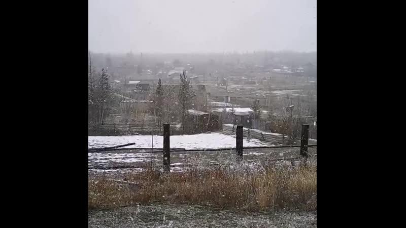 Снежный Северобайкальск в мае