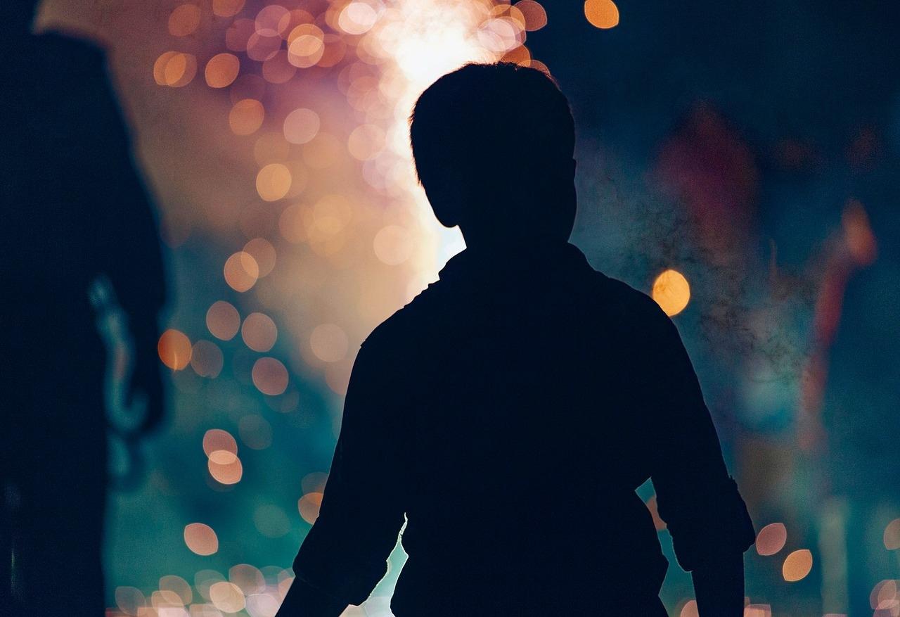 В летнее время «комендантский час» для несовершеннолетних начинается в 23 часа