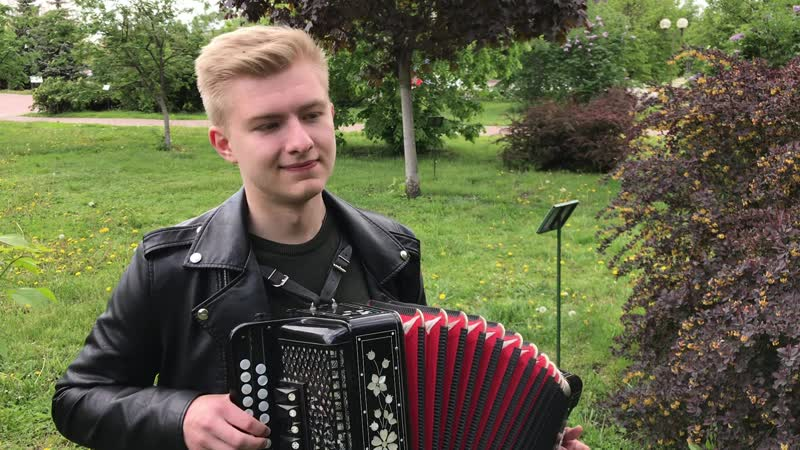 Музыкальный подарок из сквера Ермолова Играет Антон Лукьяновский Запись 16 мая 2020 года Орёл