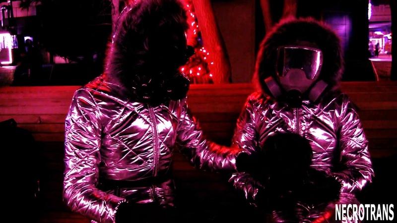 Gas masks space suits. Два трансгуманистических существа в скафандрах обсуждают противогазы