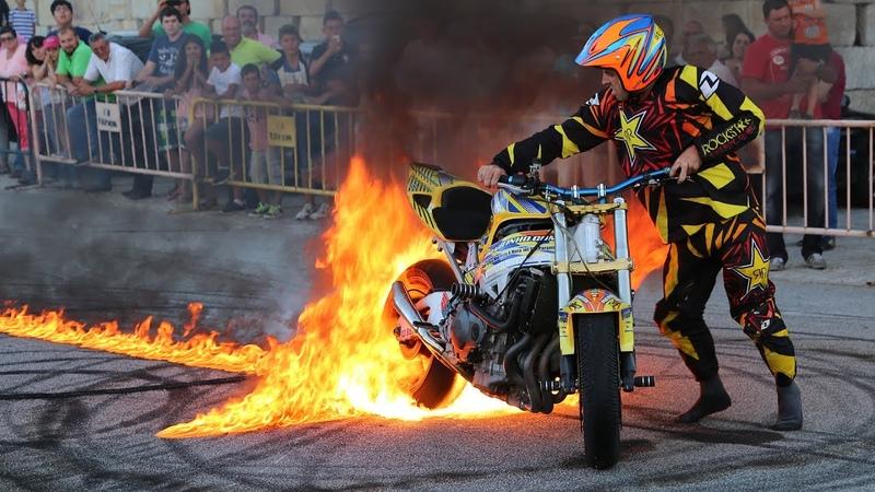 Paulo Martinho Moto Freestyle Quemando Rueda Burnout Tire 1000 degree BOTICAS