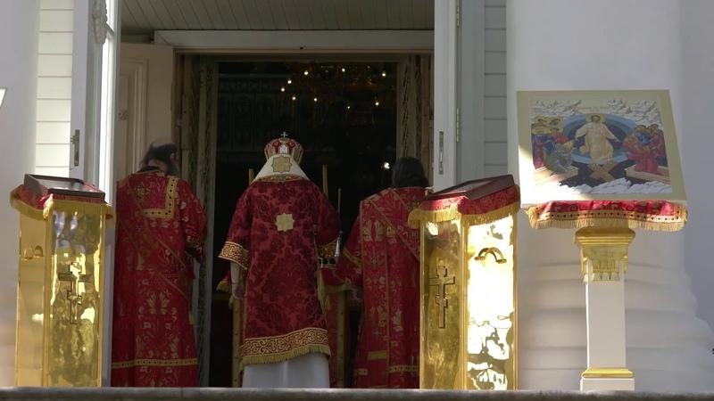 Божественная литургия в праздник перенесения мощей святителя Николая Чудотворца