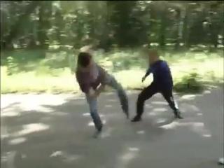 """Сбит с ног  сражайся на коленях, не можешь встать  лёжа наступай!"""" c,bn c yju  chffqcz yf rjktyz, yt vjtim dcnfnm  k`f y"""