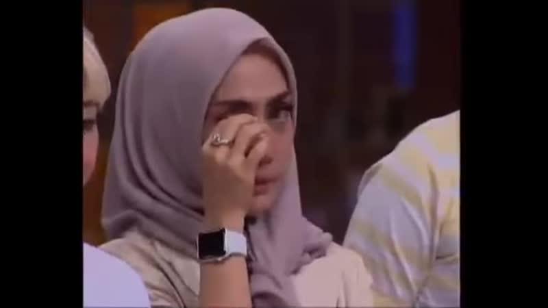 Грустный момент на кулинарном шоу в Индонезии