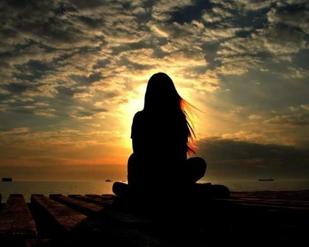 На земле или воде (рассказ из сборника: Андрей Авдей Маленький Леший) Солнце, позевывая, сладко потянулось и несмело выглянуло из-за горизонта. Приветствуя новый день, радостно защебетали