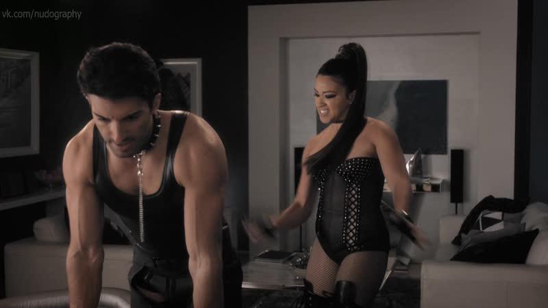 Джина Родригес (Gina Rodriguez) в сериале Девственница Джейн (Jane the Virgin, 2018) s04e09 Голая? Секси! HD 1080p