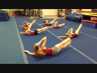0% жирности - гимнастки качают пресс