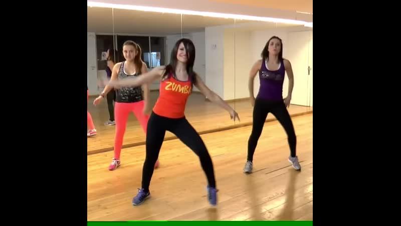 Получай удовольствие, пока теряешь вес, танцуя Зумбу!