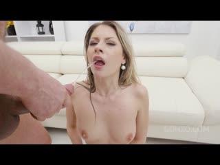 Rebecca Volpetti is a piss drinking slut first time pee scene SZ2445