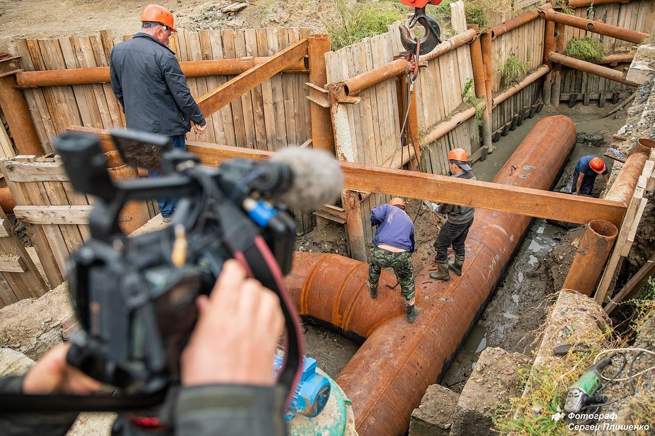 На Донском водоводе в районе Недвиговки продолжаются работы