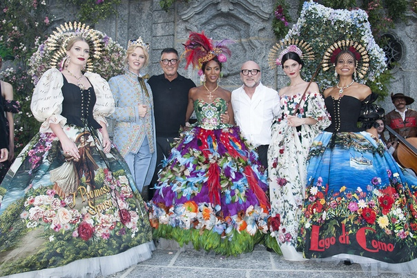 Модный показ Dolce & Gabbana на озере Комо