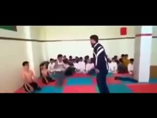 Жесткий тренер.mp4