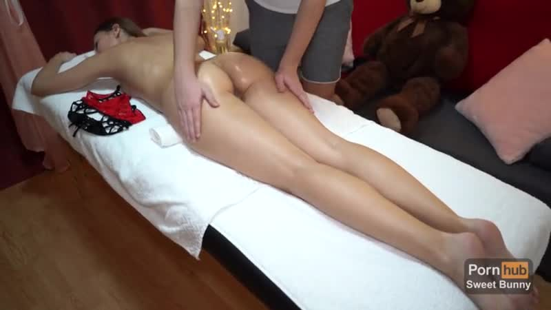 How to Treat your GF on VDAY - Oiled Massage, Intense Orgasm with Squirt