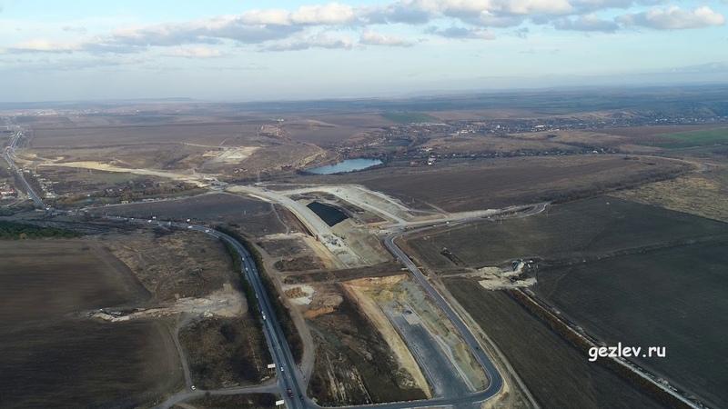 Крым трасса Таврида вблизи Симферополя между сёл Мазанка и Донское вид с высоты