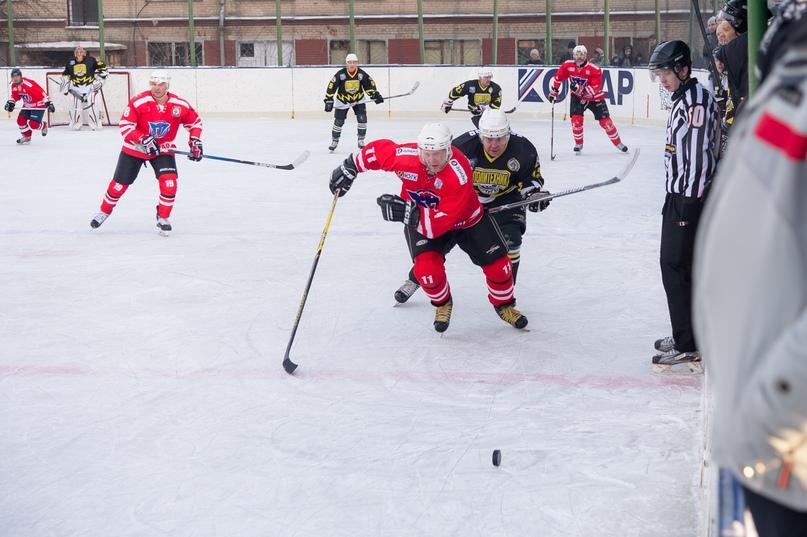 «Люди, на которых нужно равняться»: 70-летие ХК «Политехник» отметили матчем ветеранов челябинского хоккея, изображение №1