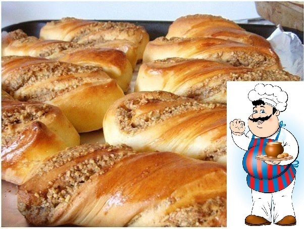 Ореховые булочки Ингредиенты: Для теста: 1 кг обычной муки 130 гр. сахара 2 чайные ложки соли без горки 20 грамм сухих дрожжей или 42 гр. свежих дрожжей 500 мл. чуть тёплого молока 150 гр.