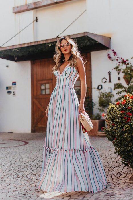 Повседневные длинные платья: свежие идеи для весны и лета