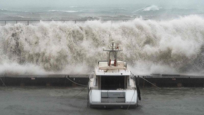Deadly Storm Gloria sends huge waves smashing into Mallorca