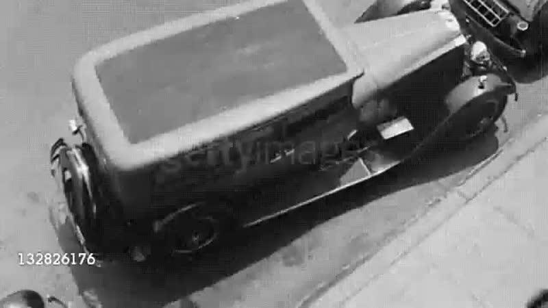 5-е колесо использовалось для параллельной парковки в 1933 году. 5-t rjktcj bcgjkmpjdfkjcm lkz gfhfkktkmyjq gfhrjdrb d 1933 ujle
