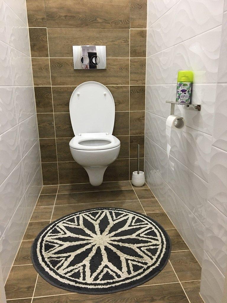 Ванная комната и санузел. Дизайн придумали сами. Вот такой у нас получился первый ремонт )