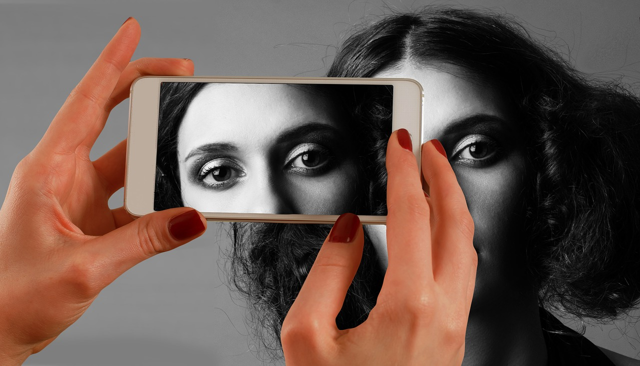 В Марий Эл молодой мужчина обманным путем выложил интимные фото знакомой девушки в Интернет
