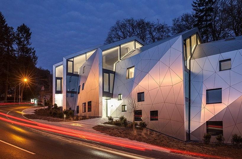 Жилой комплекс на склоне в Люксембурге / Metaform