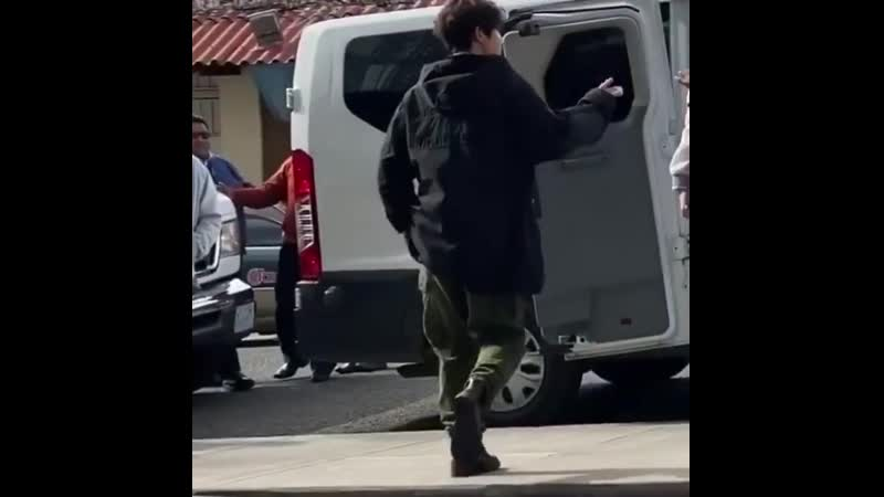 [2019.10.18] Kim Hyun Joong, leaving the hotel, went for a walk in the city 🇧🇴😍💚