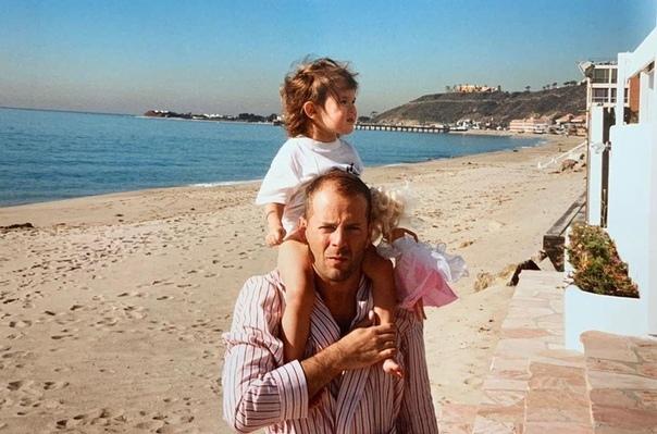 Архивные фото Брюса Уиллиса и его дочурки Румер...