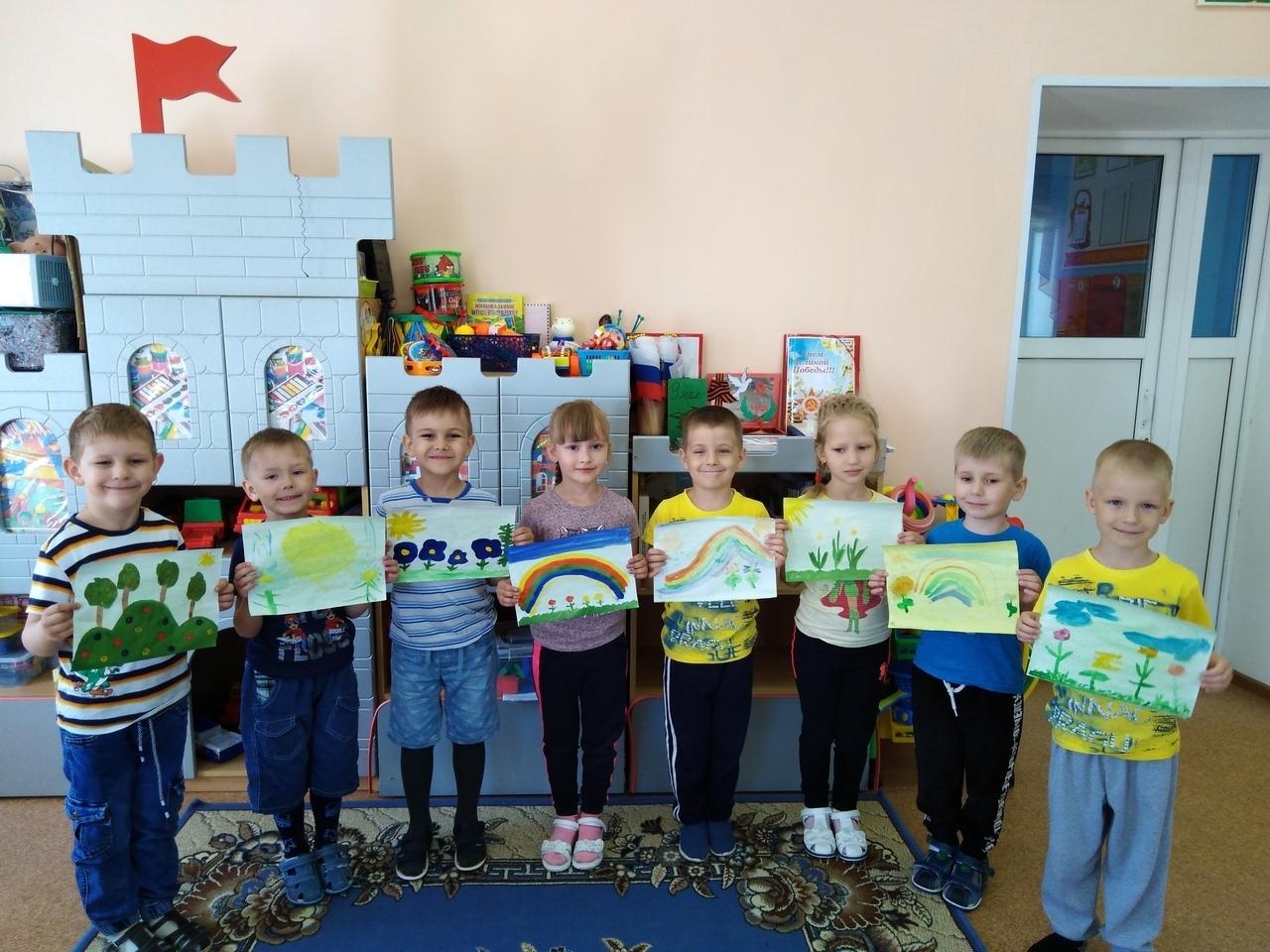 Воспитанники детского сада №17 «Рождественский» города Петровска приняли участие в выставке рисунков