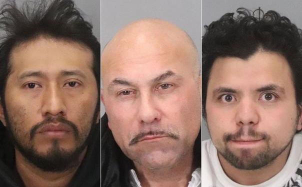 14-летняя калифорнийка использовала снэпчат, чтобы сбежать от похитителей после того, как они её изнасиловали Во вторник утром девочка чьё имя пока не было обнародовано-встретила 55-летнего