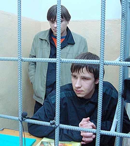Заключенные Антон Коростелев и Алексей Пулялин, от...