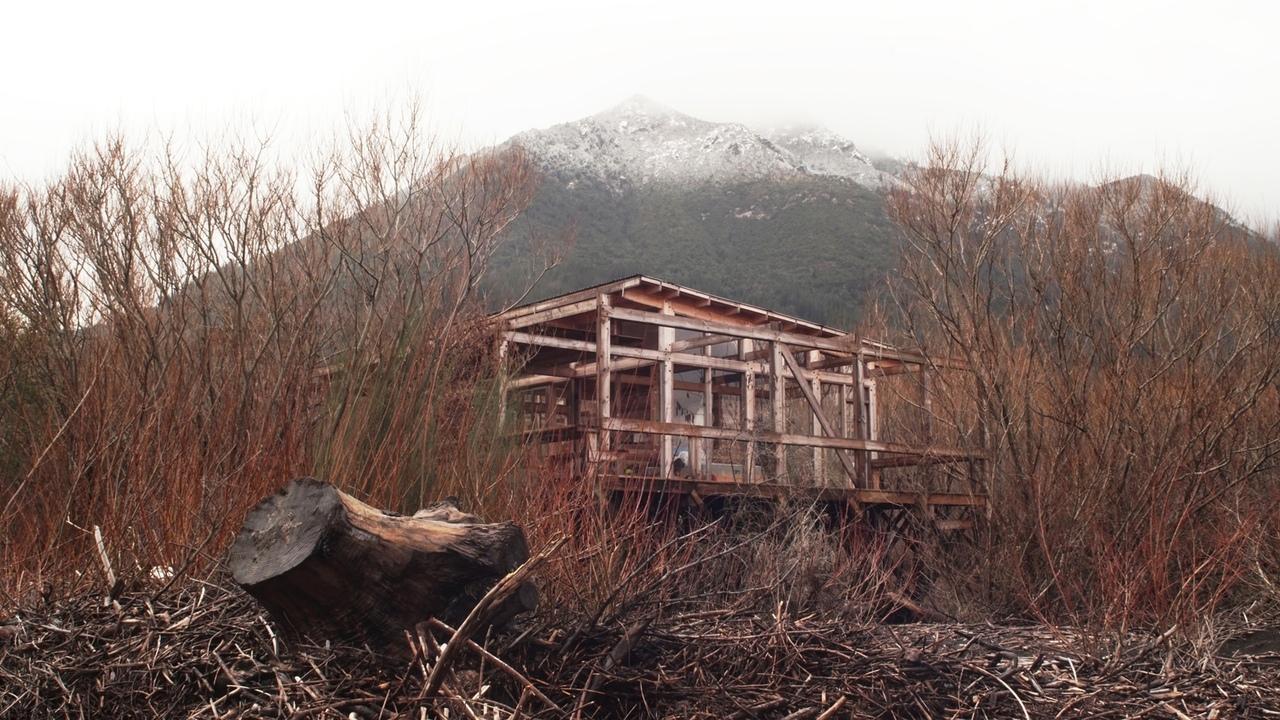 Río Plata Shelter \ Elton Léniz Arquitectos   Francisco Cruz \ Pucon, Chile