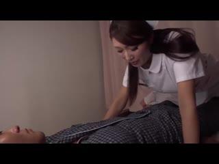 Японская #медсестра Reiko Kobayakawa любит ублажать своих клиент