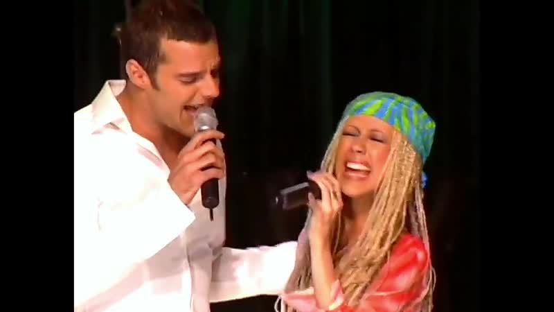 Ricky Martin Christina Aguilera - Nobody Wants To Be Lonely (Live CDUK 2001)