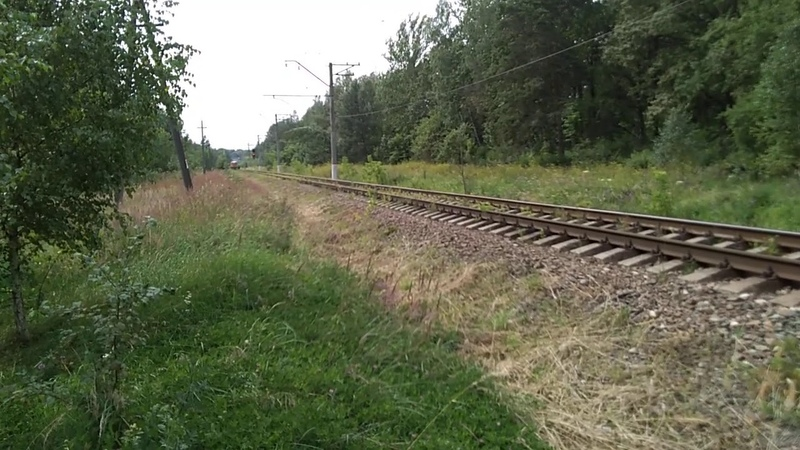 2М62 0860 С хозяйственным поездом и приветливой бригадой