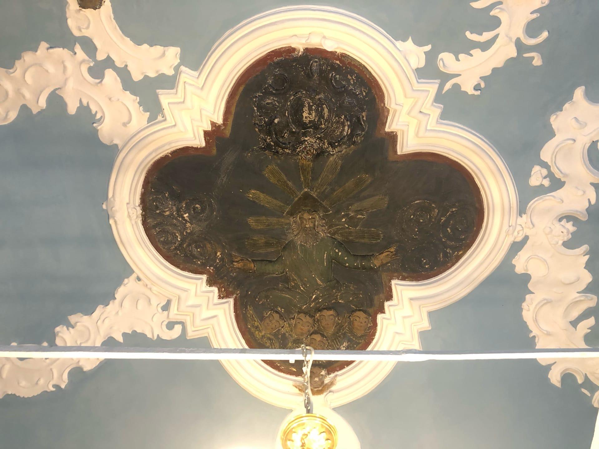 Журналист Tverlife.ru сделал фотографии уникальных реставрационных работ в храме Тверской области