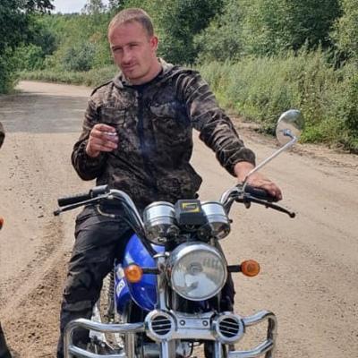 Георгий, 23, Seryshevo