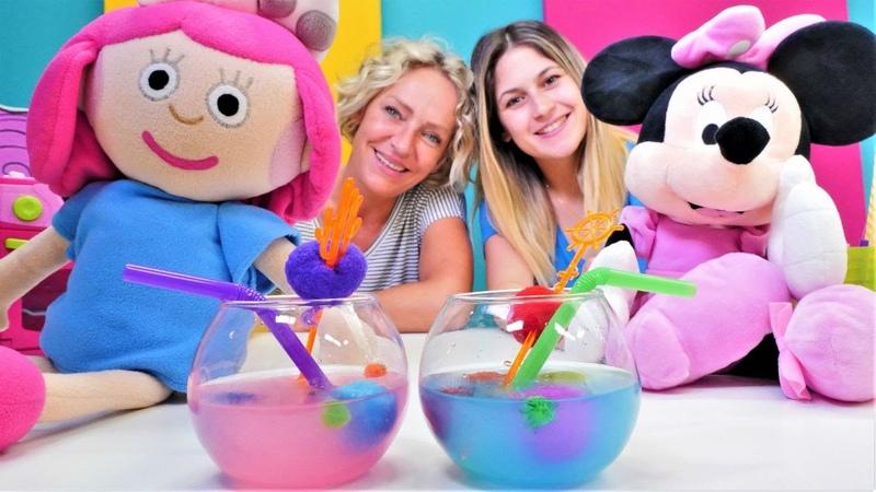 Oyuncak Kafe. Smarta ve Minnie Mouse için meyve suyu yapıyoruz! Yemek yapma oyunu